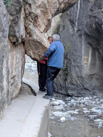 Negotiating rocks